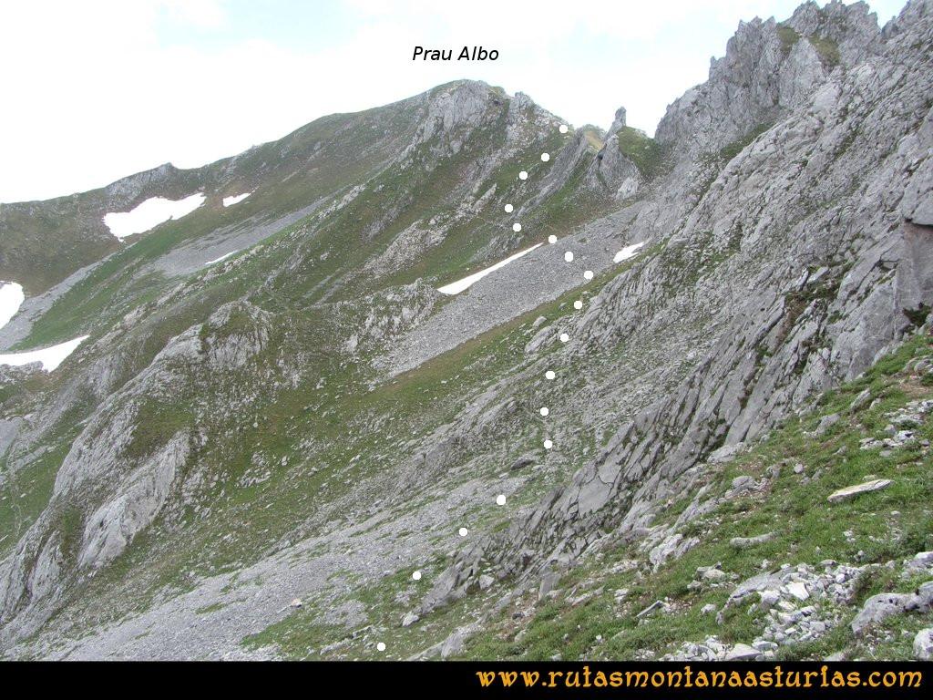 Ruta Tuiza Fariñentu Peña Chana: Subiendo al Prau del Albo desde el Fariñentu