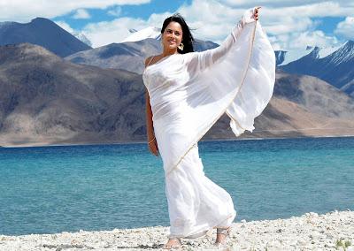 Sameera reddy stills from vedi