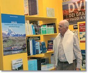 """OTTOBRE 2010 - Manfred Marktel allo stand de """"Il Frangente"""" al salone di Genova"""