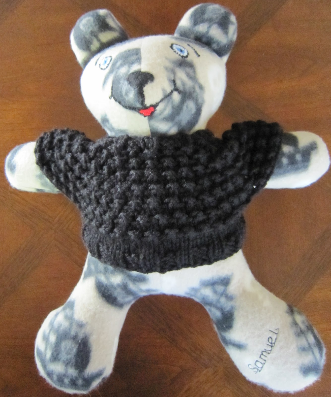 Jumper Knitting Pattern For A Teddy Bear : Sea Trail Grandmas: Large (16