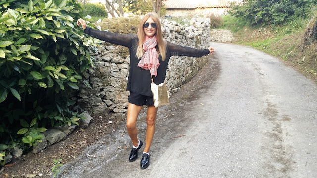 Carmen Hummer, Style, look, Ba Bye, Mo&De, Levis, Scarf, Short, Jersey, streetstyle