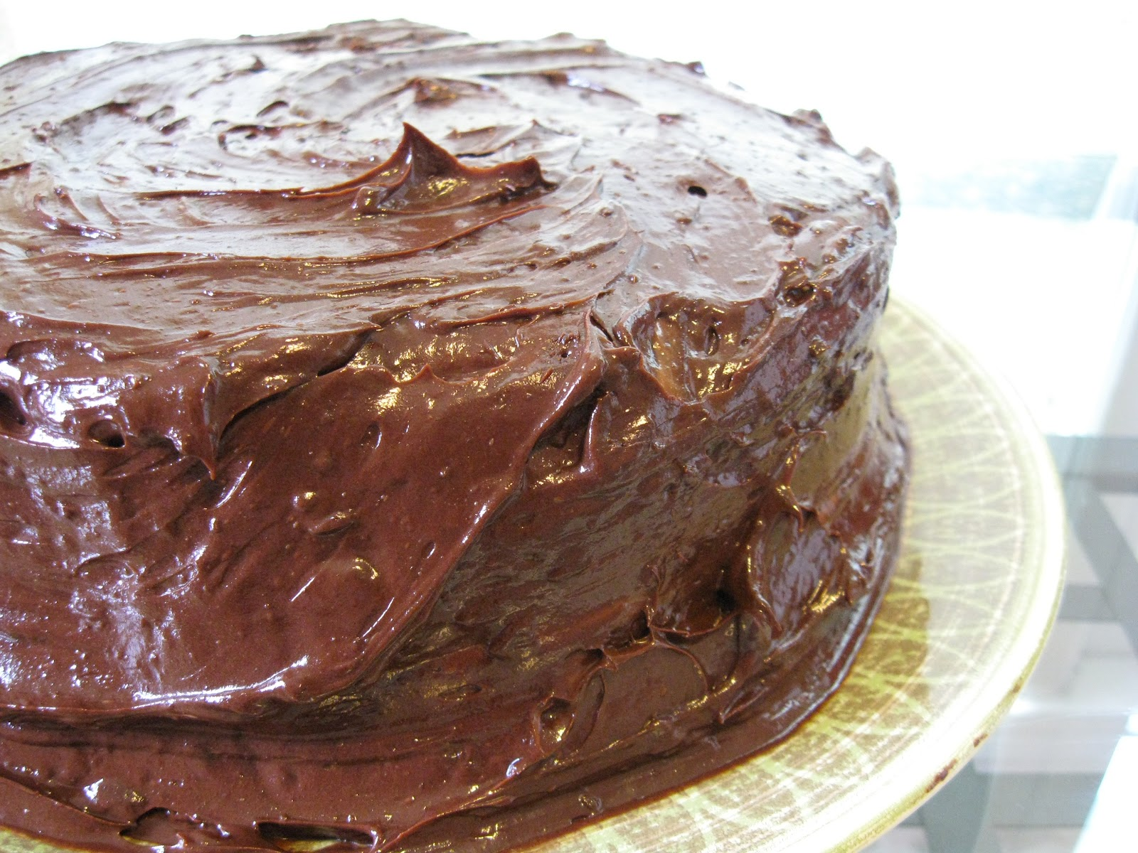 Carpe Cibus: Classic Yellow Cake with Chocolate Frosting