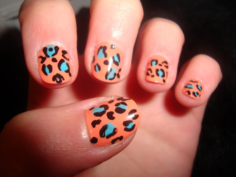 The Amusing Nail polish designs to beautify your nails Photo