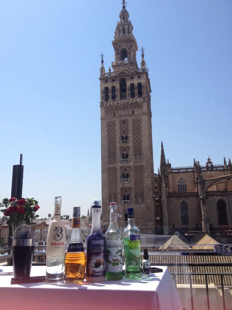 Inauguraci n de la terraza del hotel eme el tapeador ir de tapas por sevilla - Terraza hotel eme ...