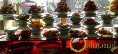 Di Padang malah tidak ada rumah makan Padang