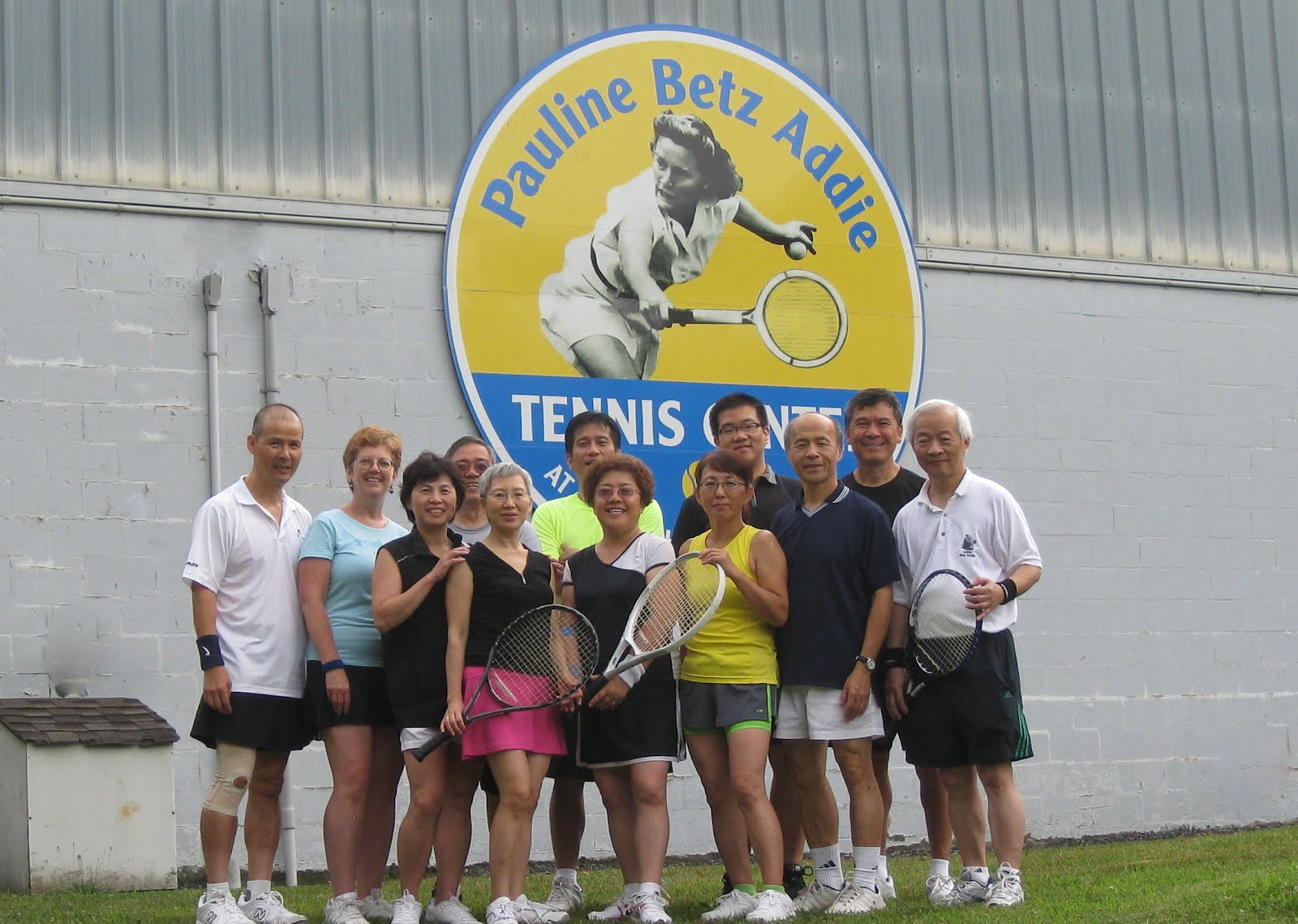 Tennis Friends in the World and HI Successful Aging and