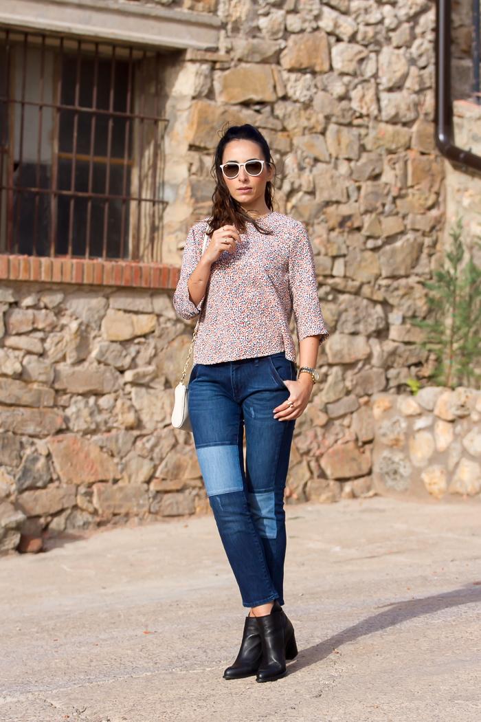 Blogger valenciana de estilo casual con vaqueros