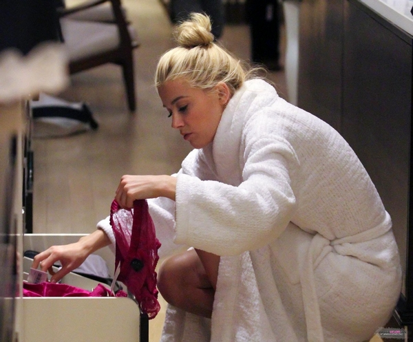 Amber Heard in bathrobe buy lingerie