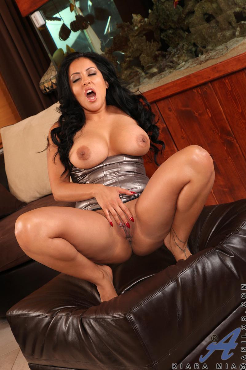 Latina Wet Pussy Porn