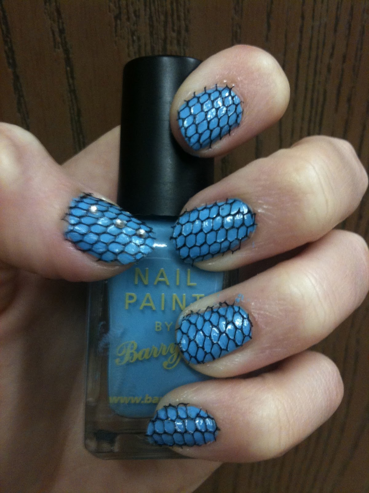 Handbags and Gladrags: Nail Art! Lace Netted Nails tutorial!