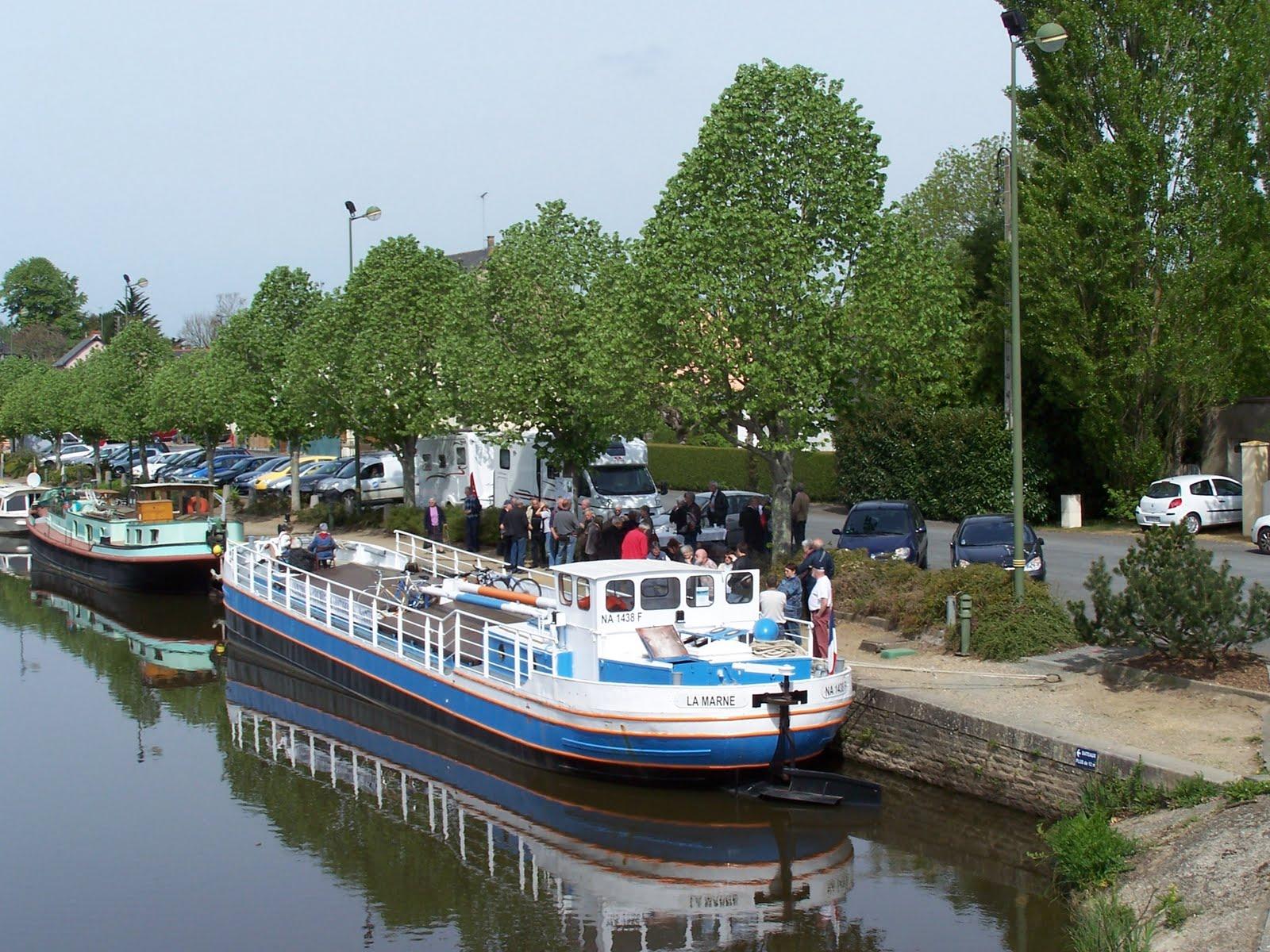 Entre canal et for t p niches au port de blain - Bassin pneu occasion brest ...