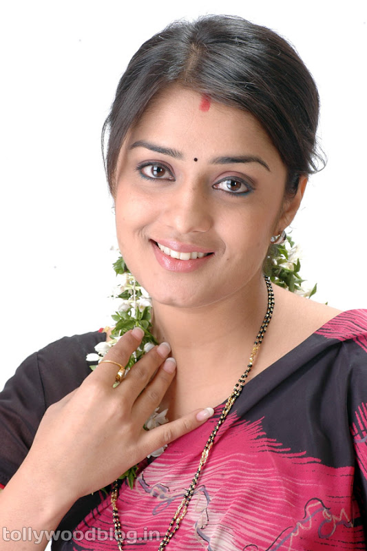 Actress Nikitha Beautiful Photos in Saree gallery pictures
