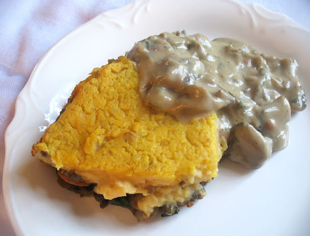 vegetarian shepherds pie with mushroom gravy