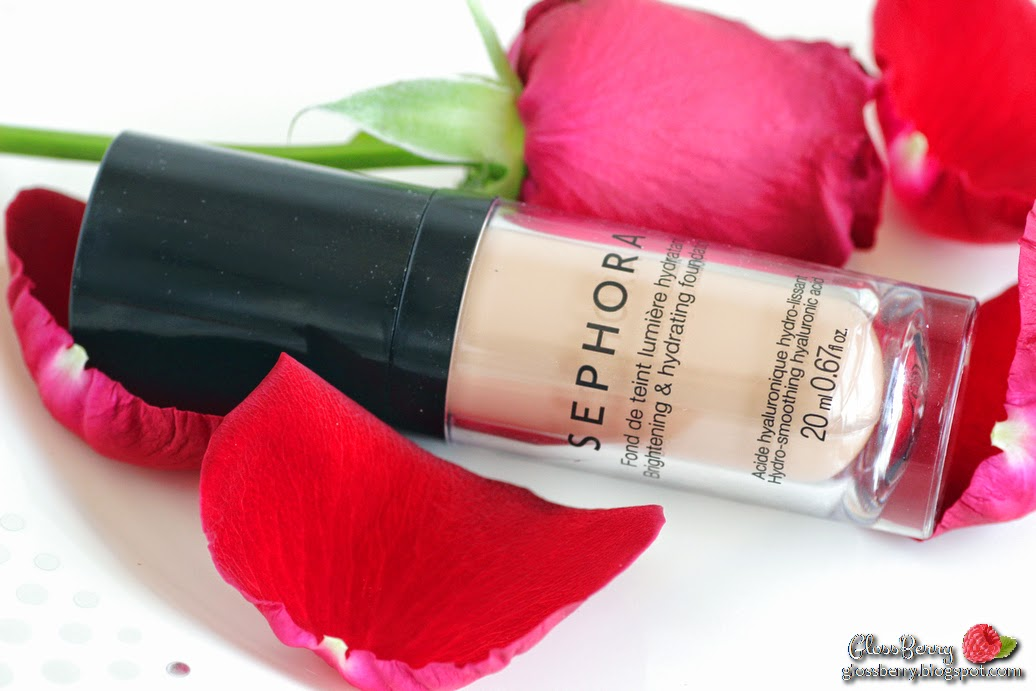 Sephora - Brightening and Hydrating Foundation fond de  Teint Lumière Hydratant makeup review סקירה מייקאפ ספורה לעור יבש לחות לחורף glossberry גלוסברי בלוג איפור וטיפוח