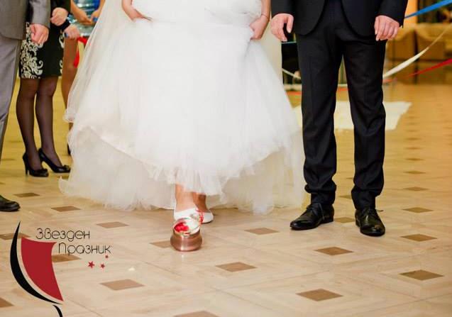сватбеното менче определя каква ще е първата рожба на младоро семейство