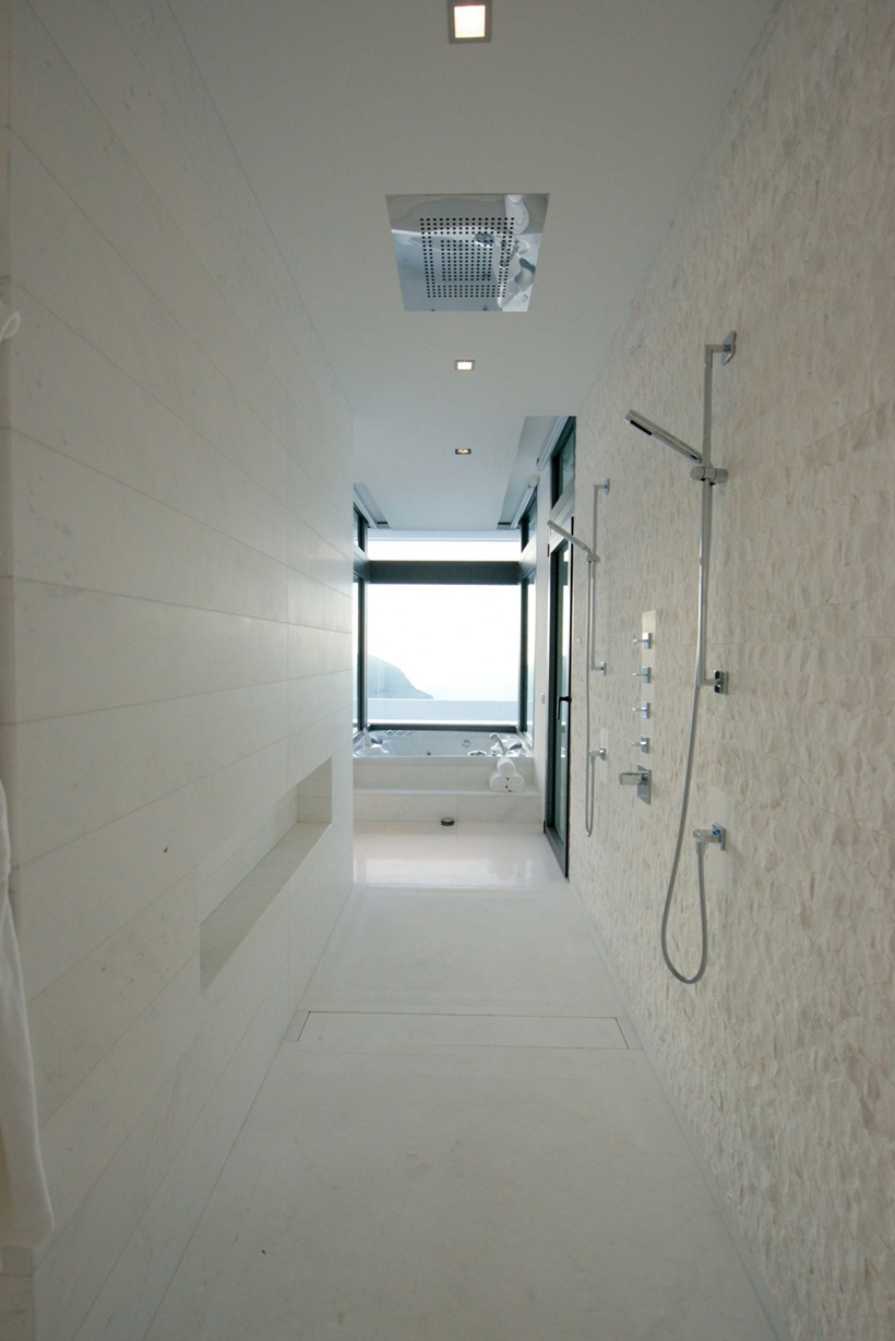 Marble shower in Modern Mansion Built On The Cliffs