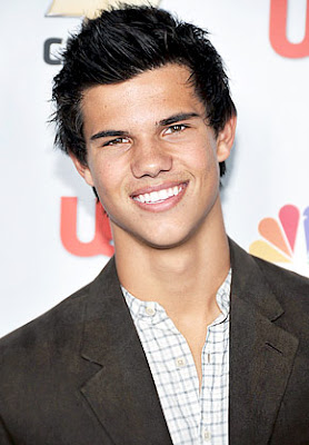 Taylor lautner new wallpapers 2012