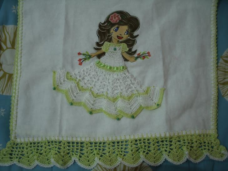 toalha de prato de boneca