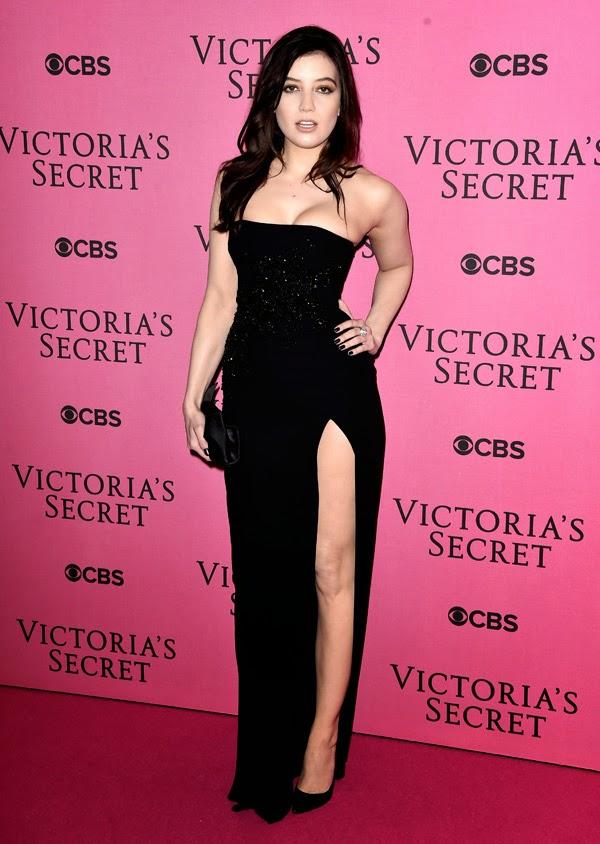Daisy Lowe la petrecera Victoria Secret