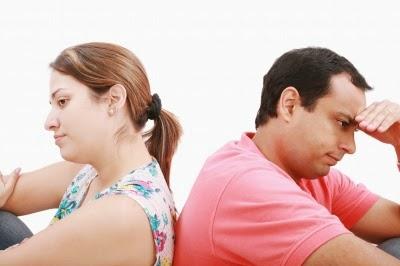 أخطاء وعادات يجب تجنبها بعد الزواج
