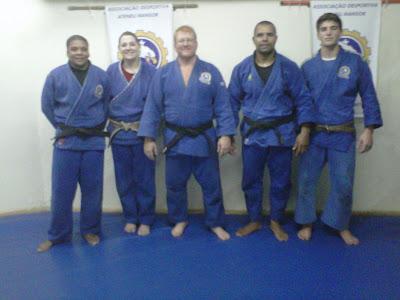 Fernanda, Silmara, Sensei Léo, Tenório e Lucas prontos para o Paulista