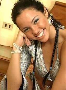 Paloma Fiuza con trenzas muy hermosa y carismática
