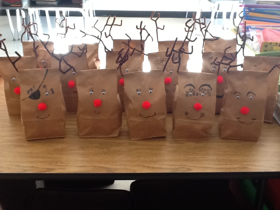 Charming 1st Grade Christmas Party Ideas Part - 10: Today We Made Our Bags For Our Christmas Gifts And I Have To Tell You, They  Turned Out Adorable. I Got The Idea Off Of Pinterest, But Adjusted It To  Fit My ...