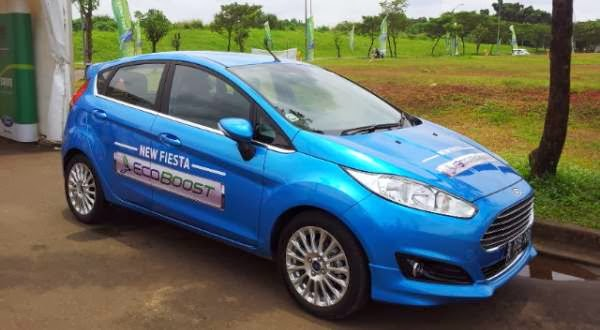 mobil ford fiesta eco boost