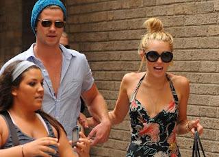 Miley Cyrus & Liam Hemsworth's Philadelphia Fandemonium » Gossip | Miley Cyrus | Liam Hemsworth