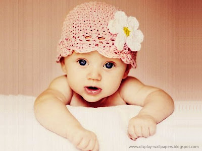 Baby With Gorgeous Eyes Wallpaper