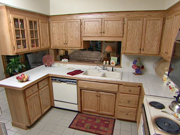 Kitchen cabinets home decorating - Refinish old kitchen cabinets ...