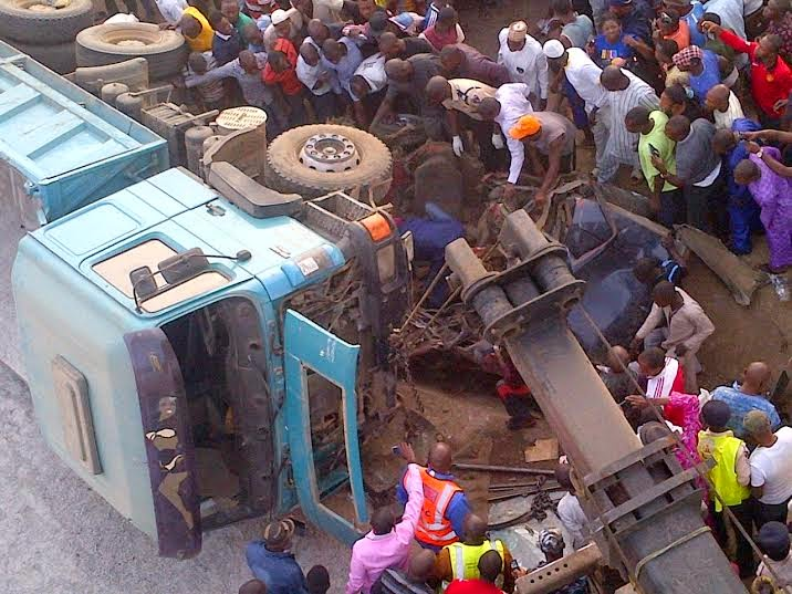 Exclusive photos from the fatal accident in Abuja this morning  5