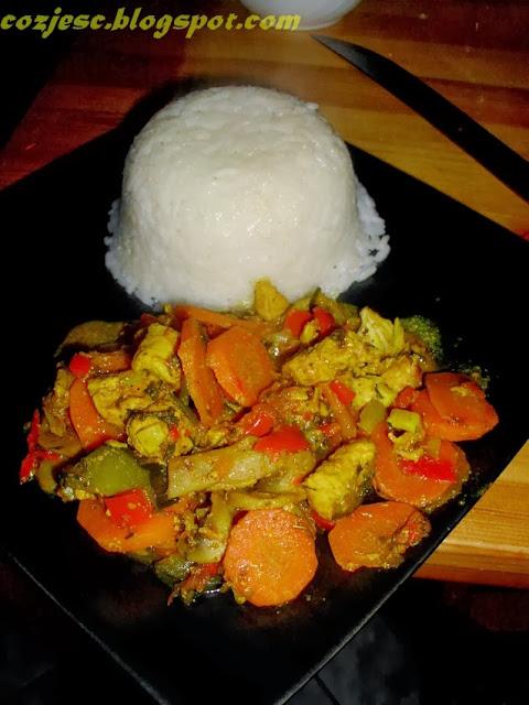 Ryż z kurczakiem i warzywami, kurczak w potrawce