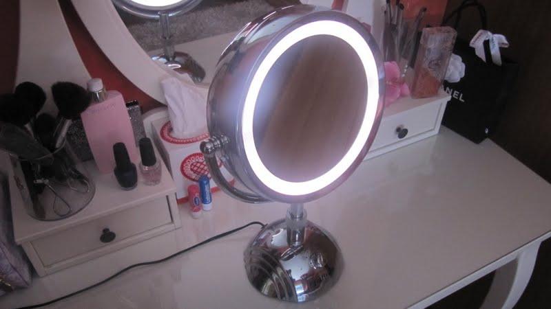 Sogni di zucchero filato blog specchio babyliss - Specchio make up professionale ...