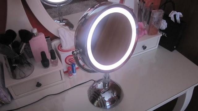 Sogni di zucchero filato blog specchio babyliss - Specchio con lampade intorno ...