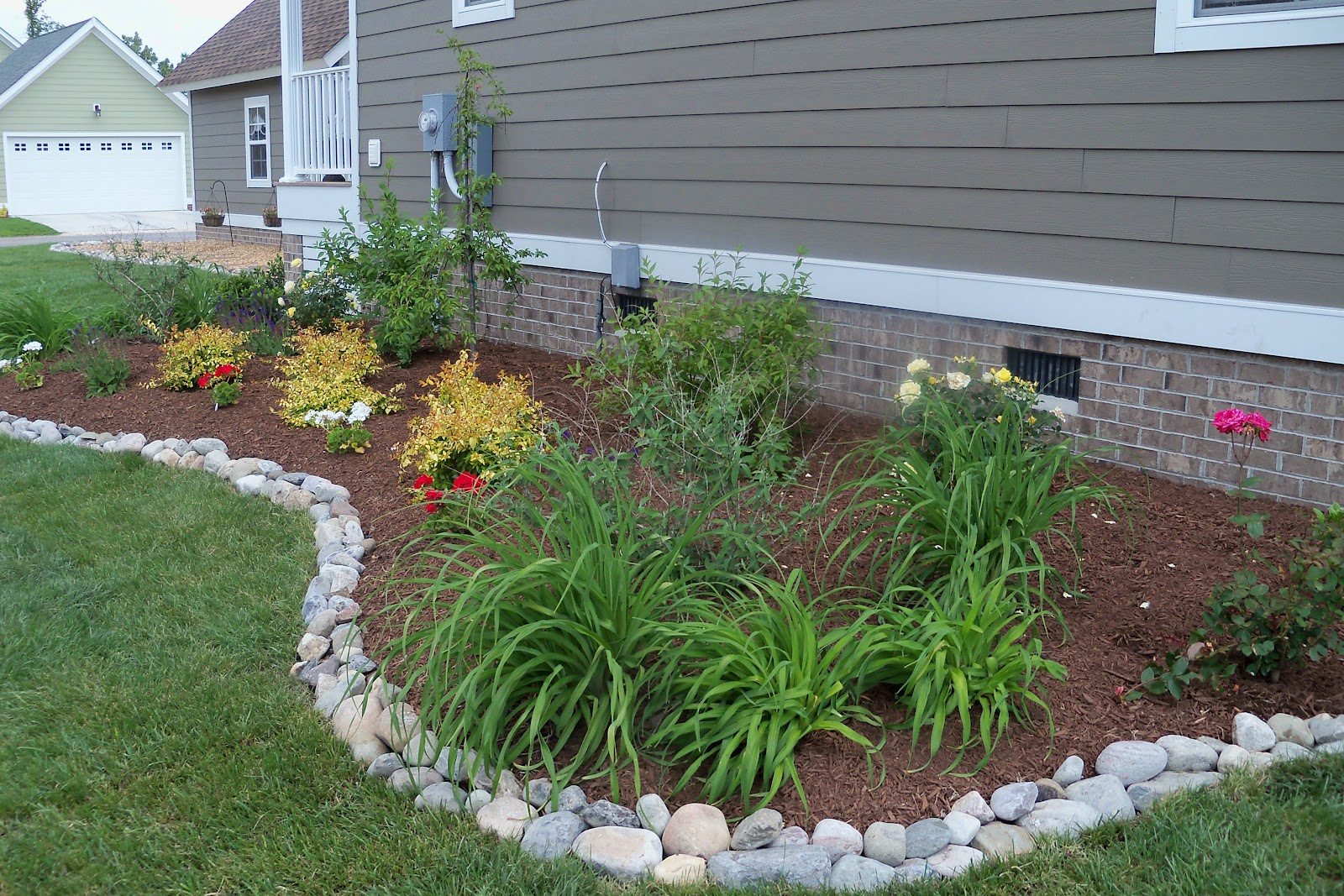 Landscaping Stone Options : Dr dan s garden tips edging options for your beds