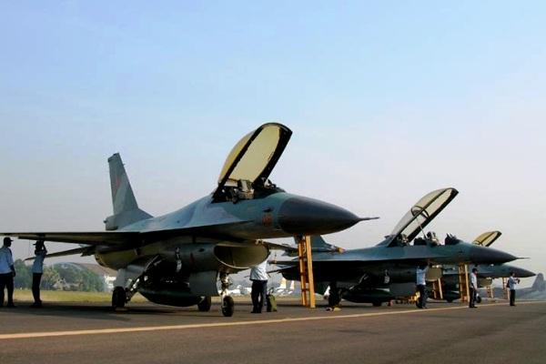Pesawat Tempur F-16 TNI-AU