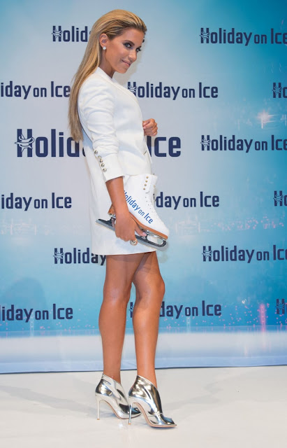 TV star, Model @ Sylvie Meis At Holiday On Ice Photocall In Hamburg