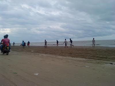 Pantai Cemara Laut Tuban Yang Sejuk
