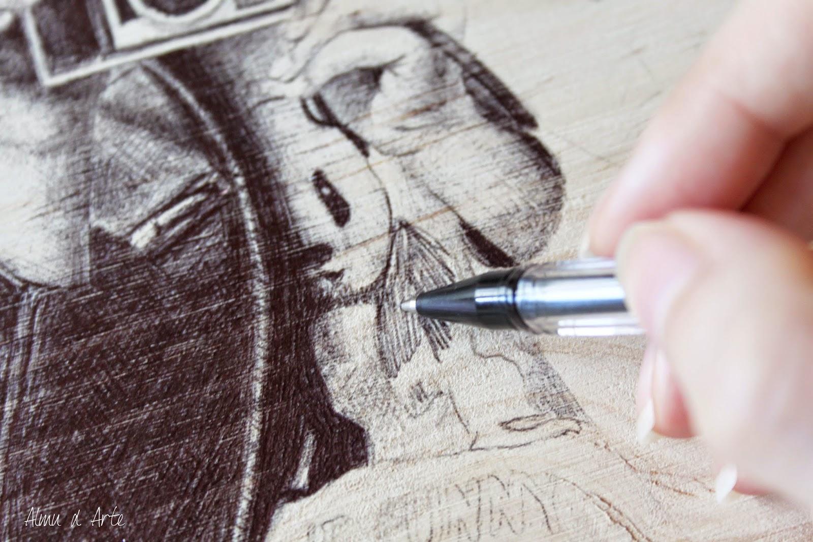 Cómo dibujar con bolígrafo negro