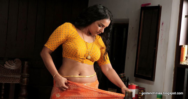 mallu aunty saree draping pictures
