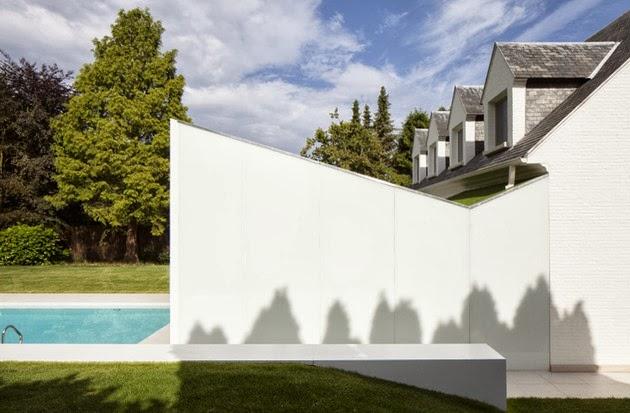 rumah modern kecil dengan kolam renang desain rumah