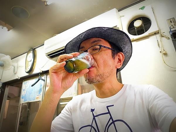 新福菜館三条店で昼ビール