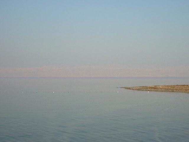 nuotare sul mar morto, dead sea, giordania