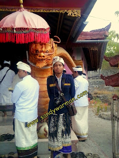 Pagoda Pura Agung Klenting Sari di Pulau Menjangan