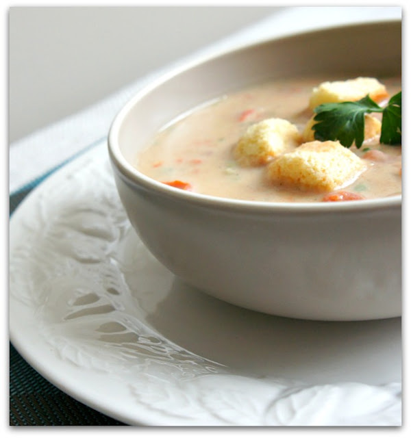 Recipe for Slow Cooker (Crock Pot) White Bean and Garlic Soup #meatlessmonday