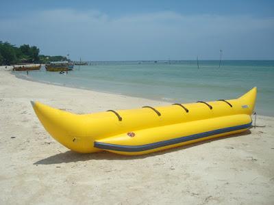 Wisata Banana Boat Pantai Bandengan