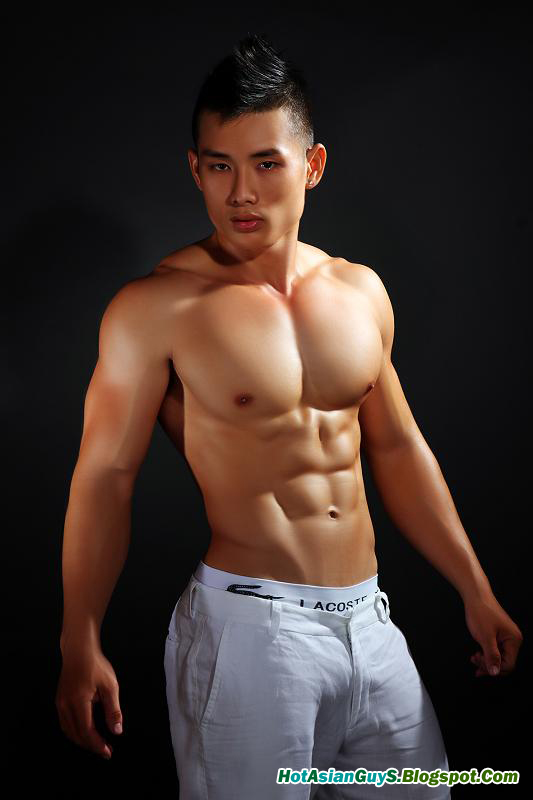 naked vietnamese guys