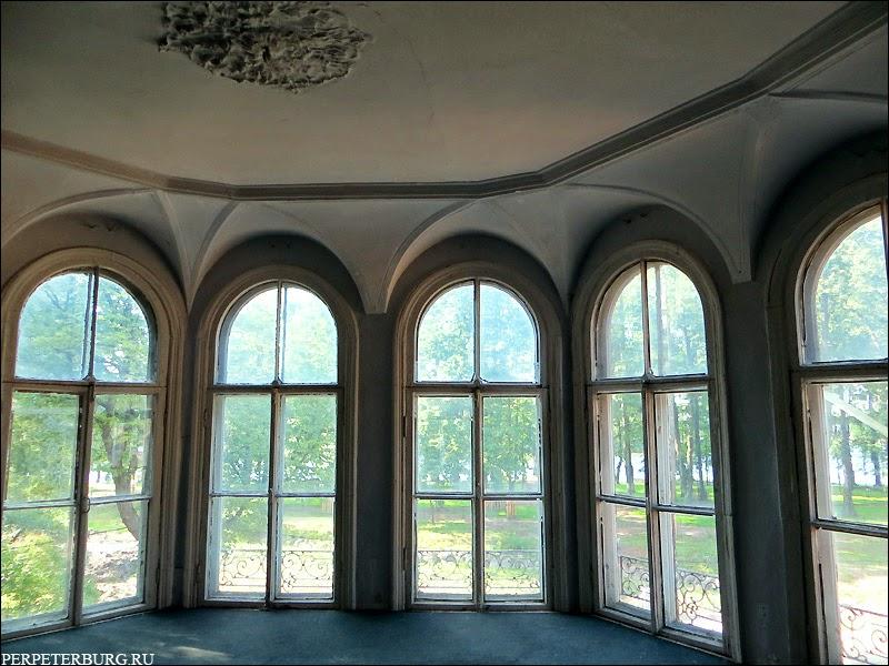Как выглядит внутри дача Громова в Лопухинском саду Петербурга фото
