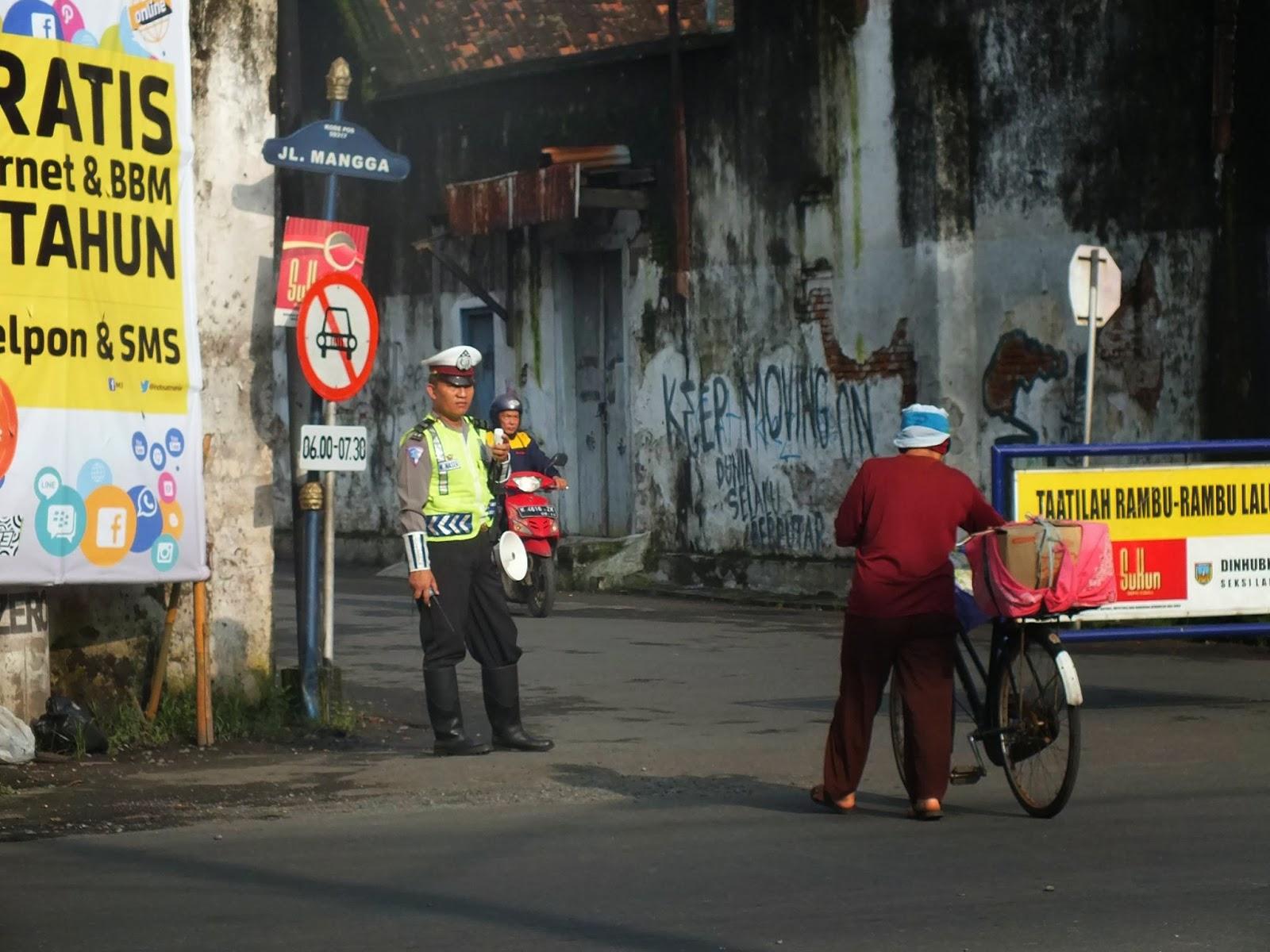 Jalan Mangga Tertutup Bagi Roda Empat
